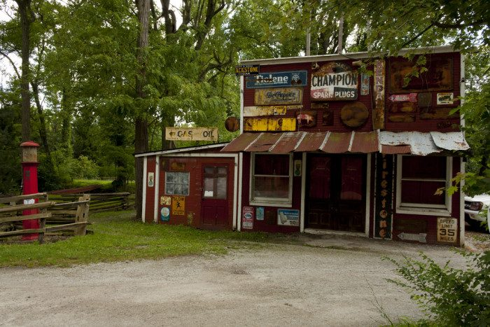 It features a vintage mill, a covered bridge, a 1940s-era gas station and a quaint American restaurant. It's a truly charming spot you don't want to miss.