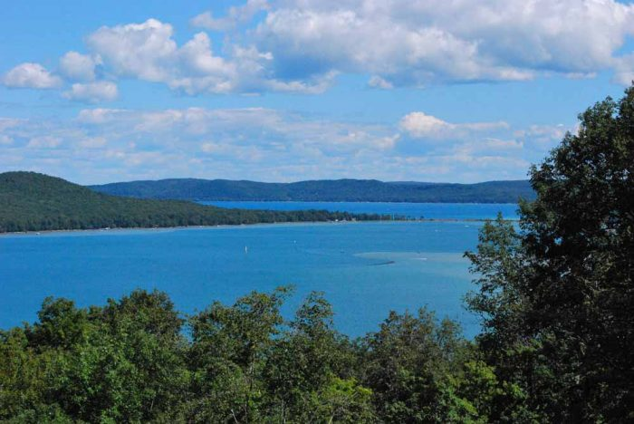 Throughout the drive, visitors can catch glimpses of Glen Lake, Platte Bay, and both North and South Manitou Islands.