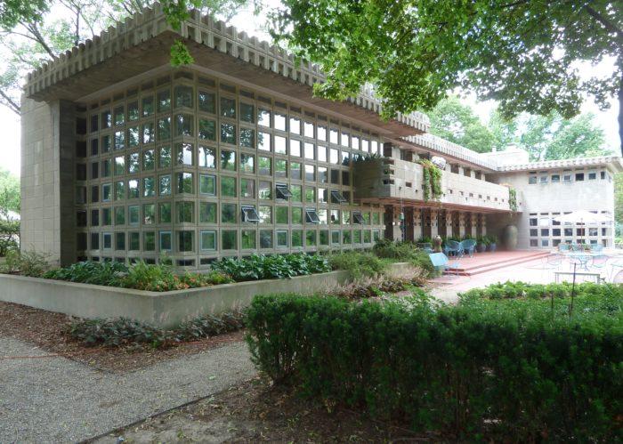 Frank Lloyd Wright Designed These 8 Michigan Homes