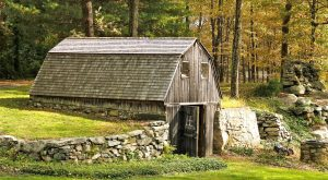 You Will Fall In Love With These 15 Beautiful Old Barns In Connecticut