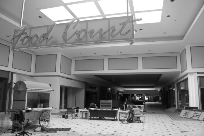 "In the 1990s, the Chesterfield Observer wrote that women were beginning to avoid the mall due to the high numbers of ""intimidating"" teenagers that were hanging out at the mall."