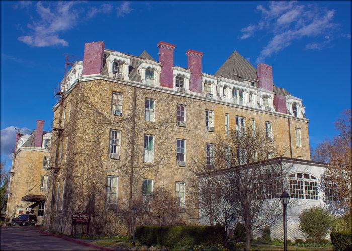 8. The Crescent Hotel (Eureka Springs, Arkansas)