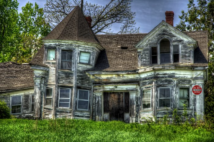 8. The Crumbling Home, Searsport