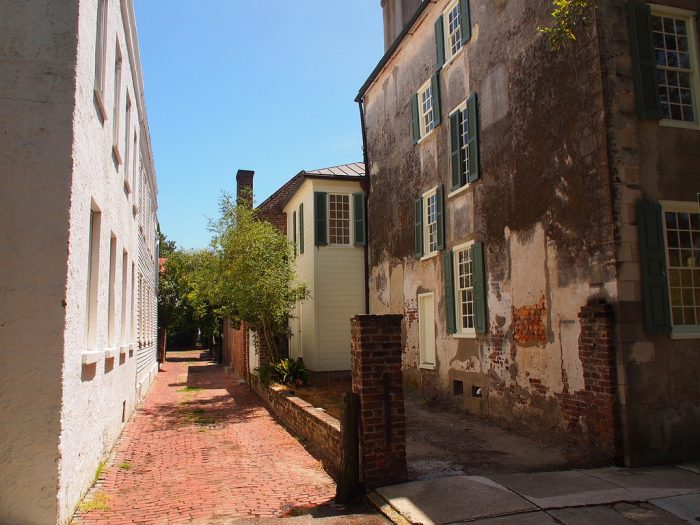 The brick-lined alleys...