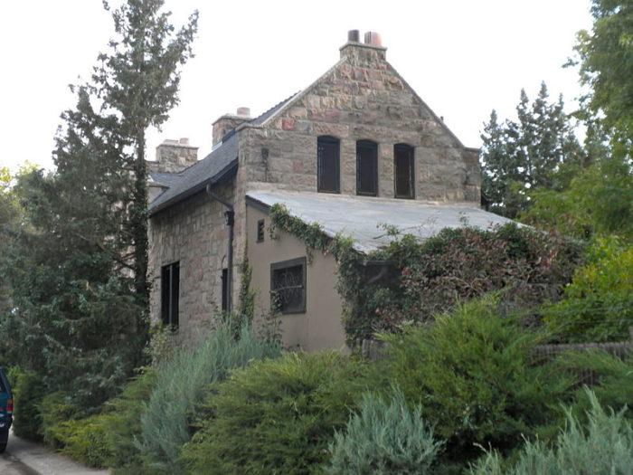 799px-Richthofen_Gatehouse