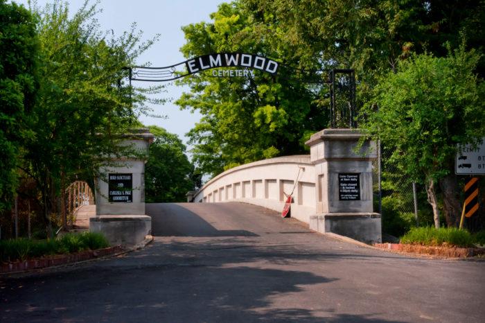 9. Elmwood Cemetery - Memphis