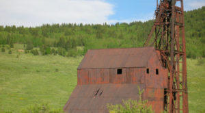 Ths Incredible Hike In Colorado Will Lead You Straight To An Abandoned Gold Mine