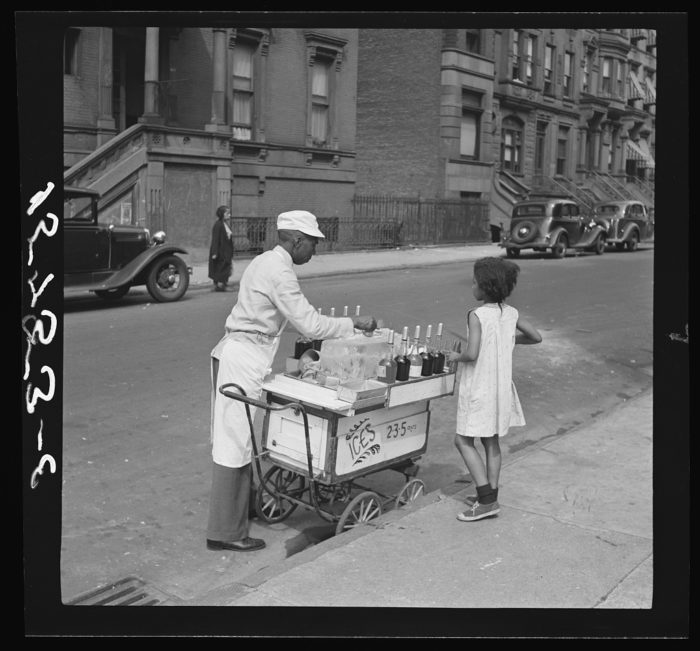 6. Imagine paying 2, 3 or 5 cents for anything nowadays? Here you can see what New York City food carts looked like years ago in 1938.