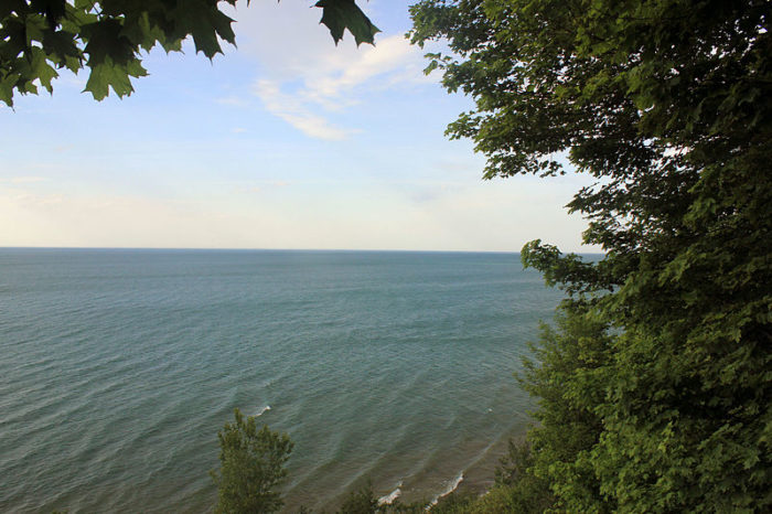 Erie Bluffs State Park promises the ideal backdrop for relaxation and photos. And, don't forget to take whatever you brought into the park back out with you so the unspoiled land remains just that.