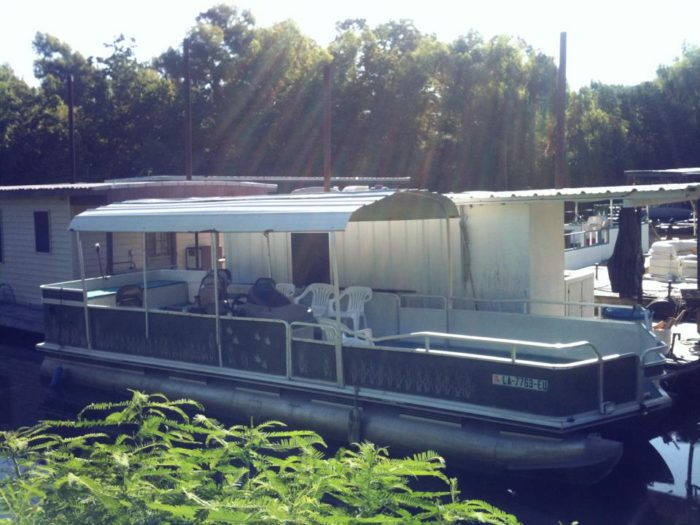 Once you've got your houseboat rented, you can sign up you and your group for a world class swamp tour.