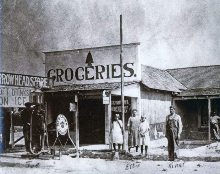 Founded in 1865, St. Thomas was a thriving Mormon settlement with farms, a school, a hotel, a grocery store, a post office and an ice cream parlor.