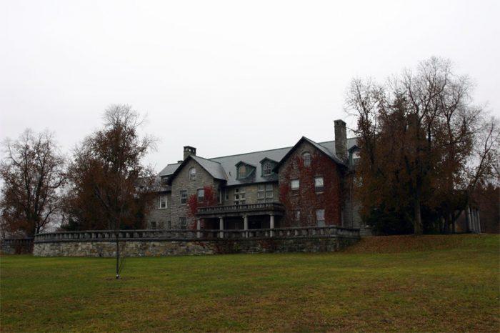 1.  Bennington College, Jennings Hall