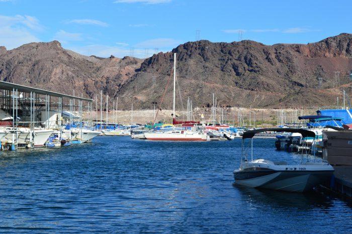 Boats-at-Lake-Mead-16154139214-700x466