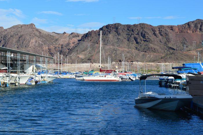 Lake Mead boats