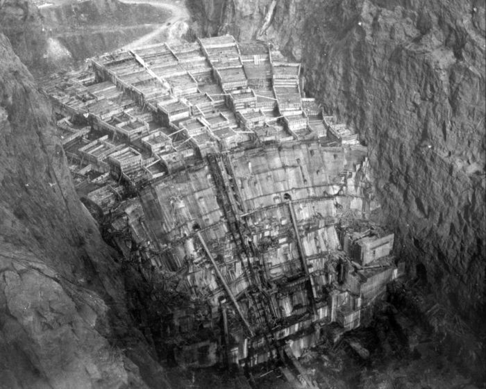It was built to aid in the construction of the Hoover Dam.