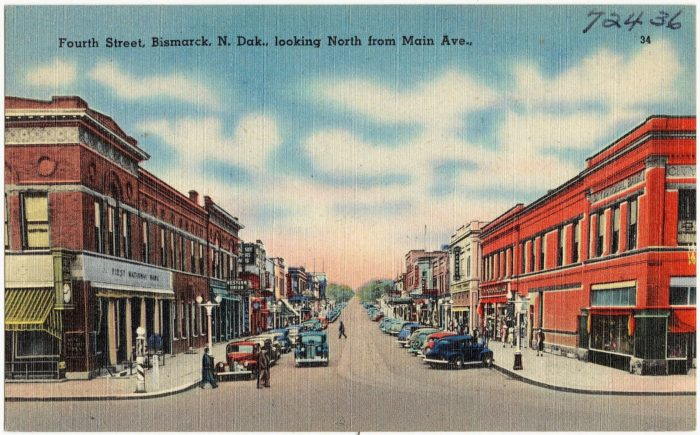 Fourth_Street,_Bismarck_N._Dak.,_looking_north_from_Main_Ave_(72436)