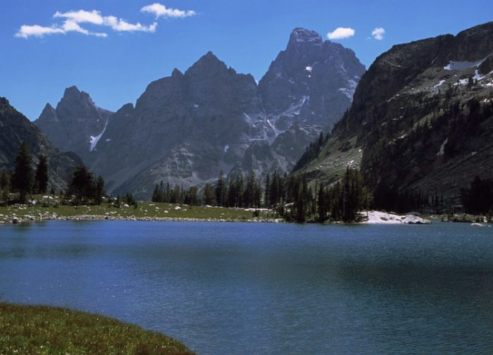 Grand_Teton_from_Lake_Solitude