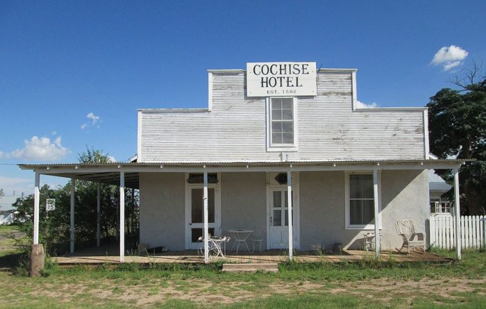 Hotel_Cochise_Arizona_2014