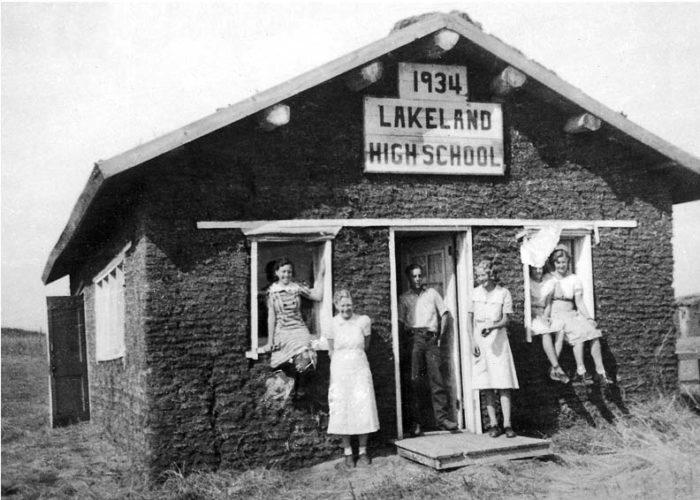 2. Lakeland High School, near Ainsworth, is made of good old sod.