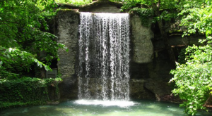 12 Unbelievable Missouri Waterfalls Hiding In Plain Sight… No Hiking Required