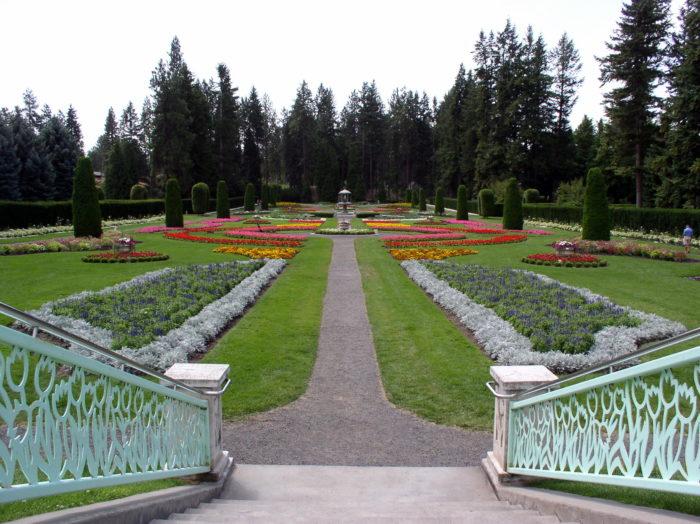 11. Manito Park Rose Hill Garden, Spokane