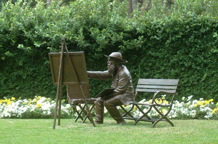 Monet_in_his_Garden_890x590