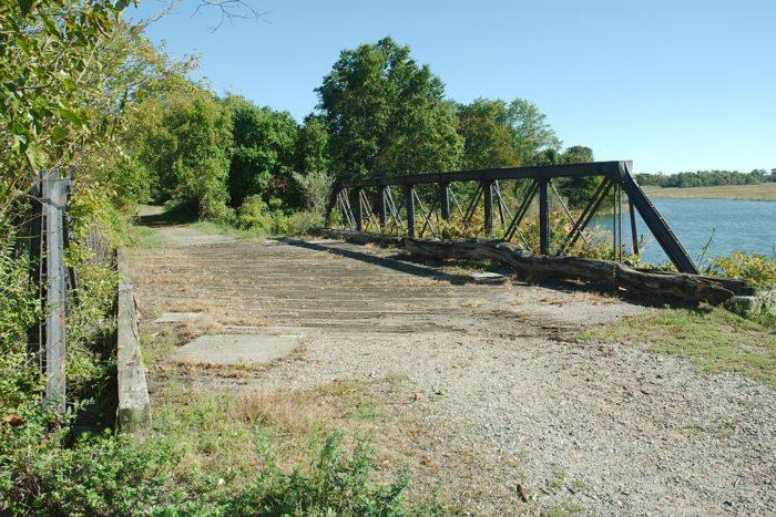 11. Pine Creek Park Bridge (Fairfield)