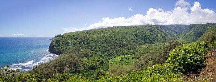 1. Polulu Valley Lookout