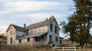 These Abandoned Farmhouses Spread Across The  Washington Countryside Are Eerily Beautiful