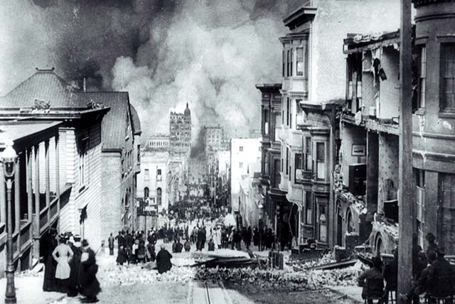 6. Sacramento Street: Right After the 1906 Earthquake & Now