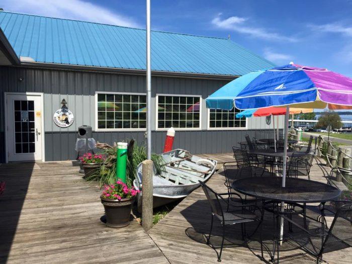 1. Ralph's Harborview Grill, Gilbertville