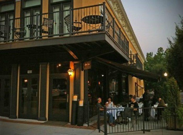 7. Cotton Row Restaurant