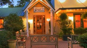Here Are The 11 Most Romantic Restaurants In Alabama… And You're Going To Love Them