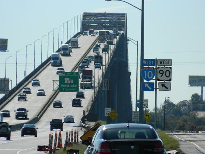 When that process took place, the federal government promised to replace the bridge, since it was not designed originally to be an interstate bridge.