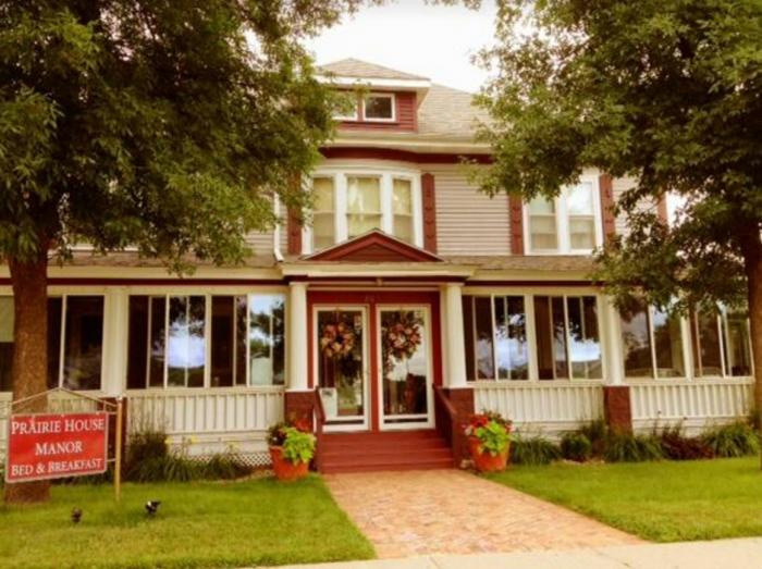 2. Prairie House Manor - De Smet