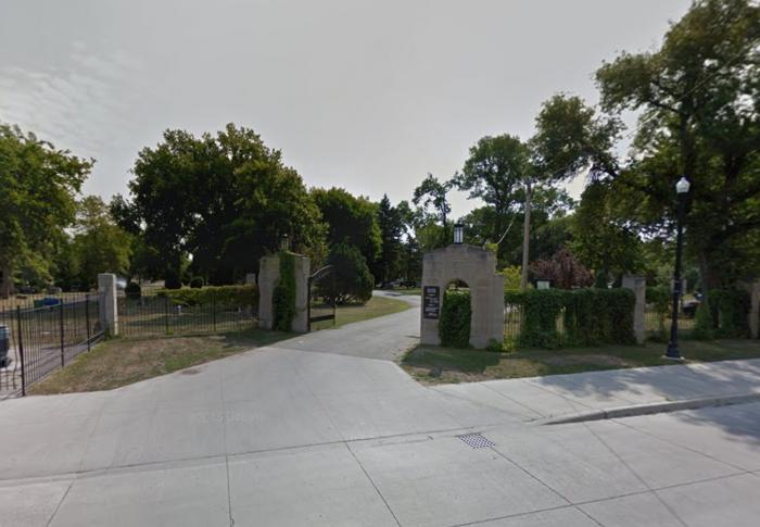 3. Riverside Cemetery