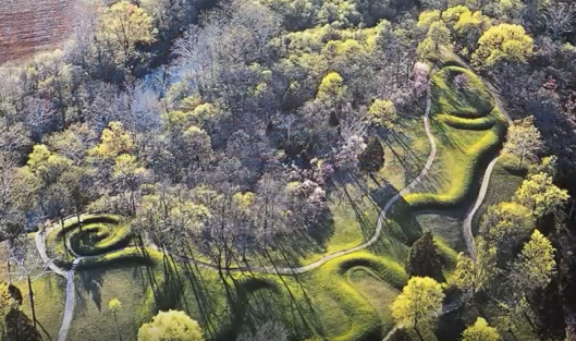 Constructed in the shape of a snake, the Great Serpent Mound is one of the most impressive earthworks in North America and the world.