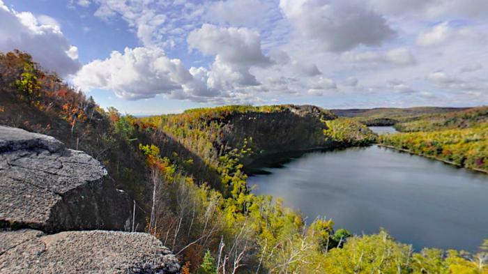 3. Superior Hiking Trail Overlook, Tettegouche