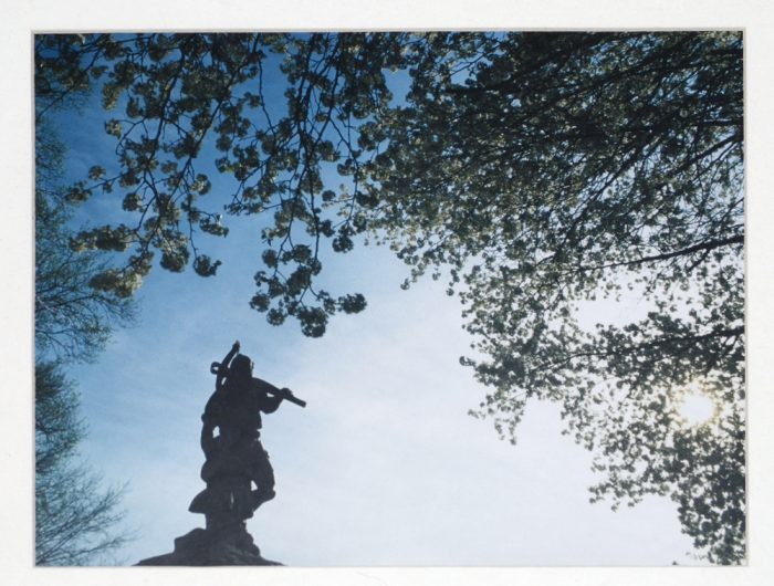 Silhouette_of_statue_of_William_Tell_and_his_son,_Tell_City,_Indiana_(looking_to_the_west,_southwest)
