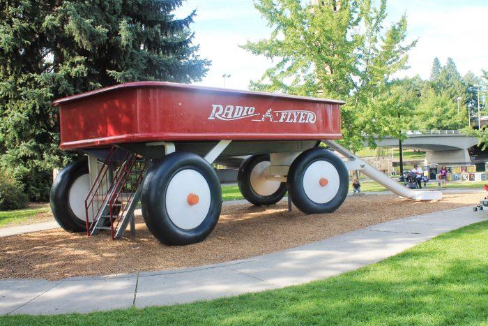 7. World's Largest Radio Flyer Wagon, Spokane
