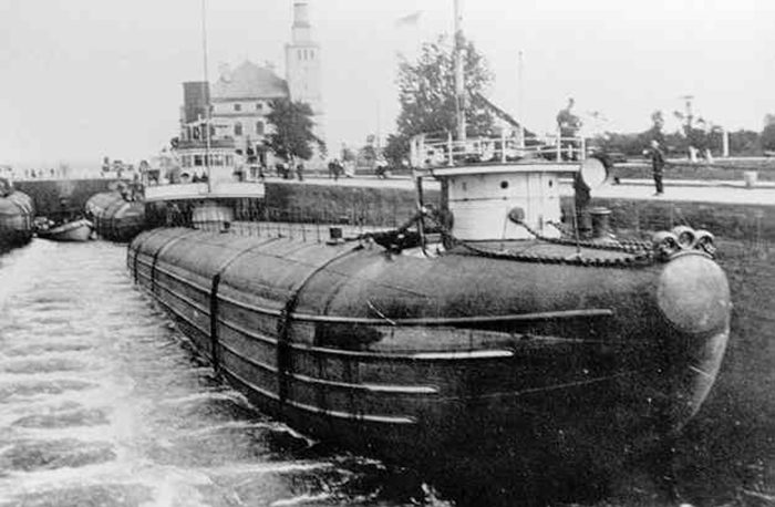 5. The Thomas Wilson freighter and the George Hadley steam boat collided and went down in the ship graveyard that is the Duluth Harbor, still filled with iron ore.