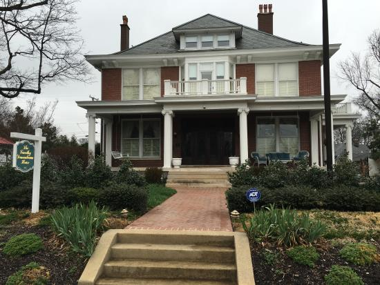 these 7 bed and breakfasts around nashville are perfect