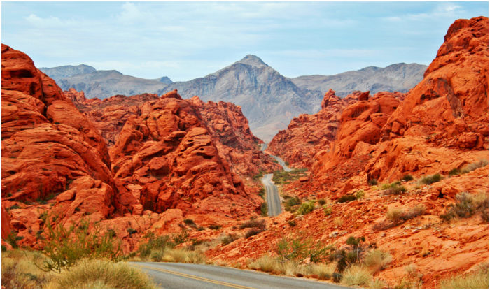 Road through Valley of Fire in OVerton