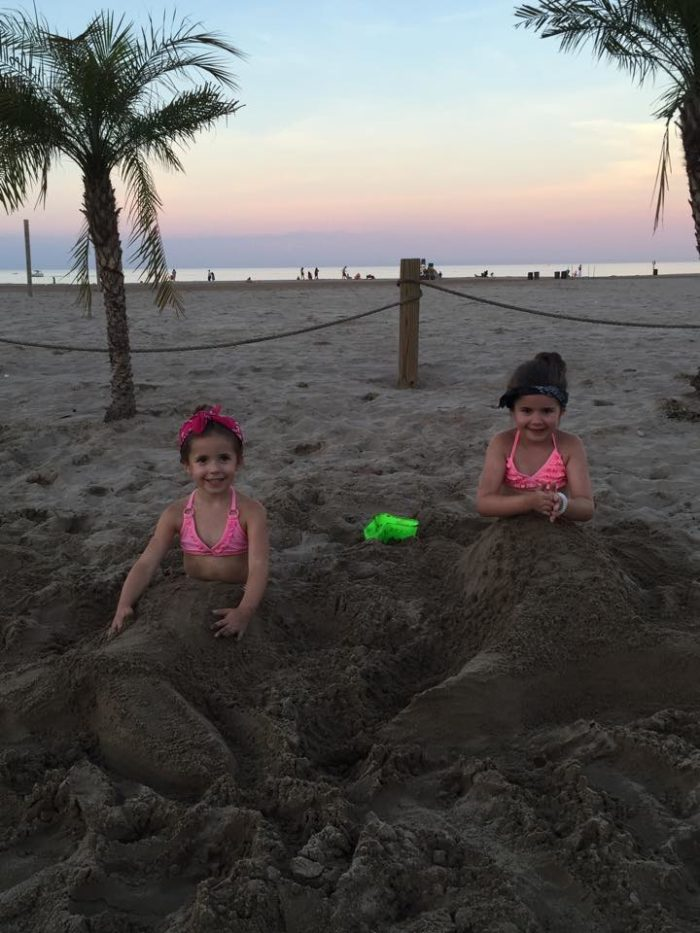 4. Kids can build sandcastles or hang out at the Kids Cove Playground.