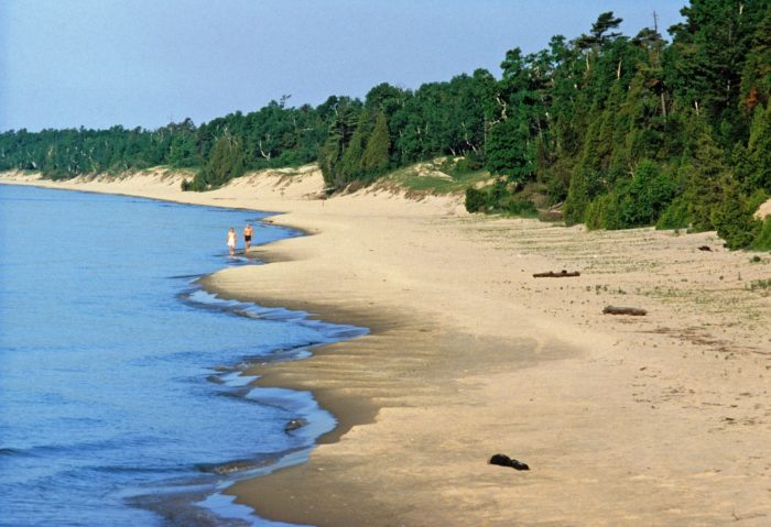 1. Whitefish Dunes State Park comprises 867 acres.