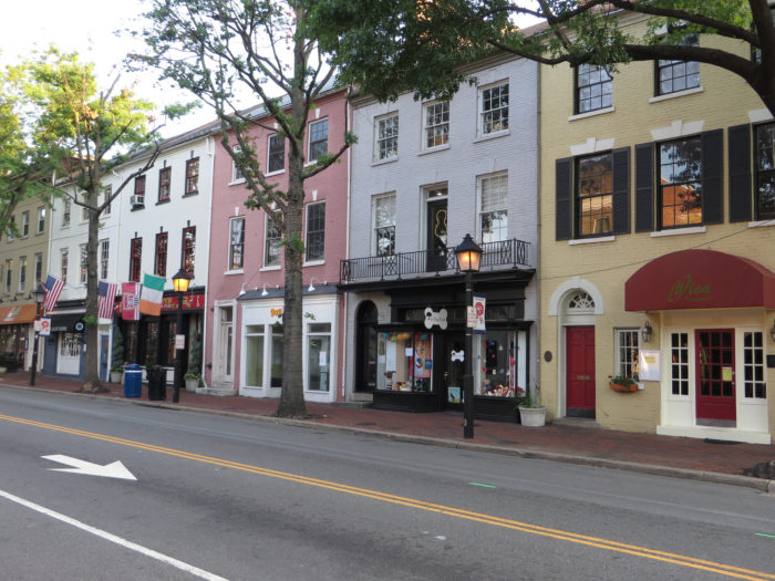If you love to shop, Alexandria has dozens of locally owned and independent boutiques.