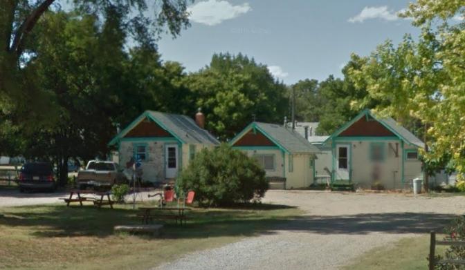 4. Arapahoe Motel - Arapahoe, NE