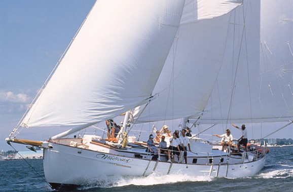 The Schooner Woodwind is a grand sailboat in Annapolis that is cleverly referred to as a boat & breakfast.