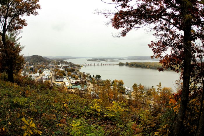 Get a panoramic view of the Mississippi at Bellevue State Park