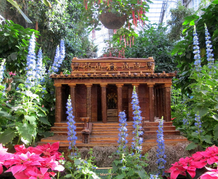 The Botanic Gardens have different exhibits throughout the year, as well as, various programs and events for everyone of all ages. The holiday exhibition is one of their most popular exhibits with models of monuments and memorials made of natural materials.